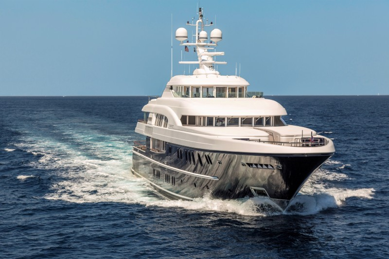 New Central Agency M/Y PODIUM